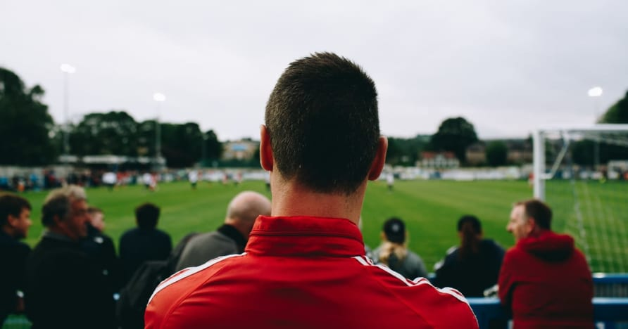 Tradičné športové stávky vs. Virtuálne športové stávky: Ktoré je najlepšie?