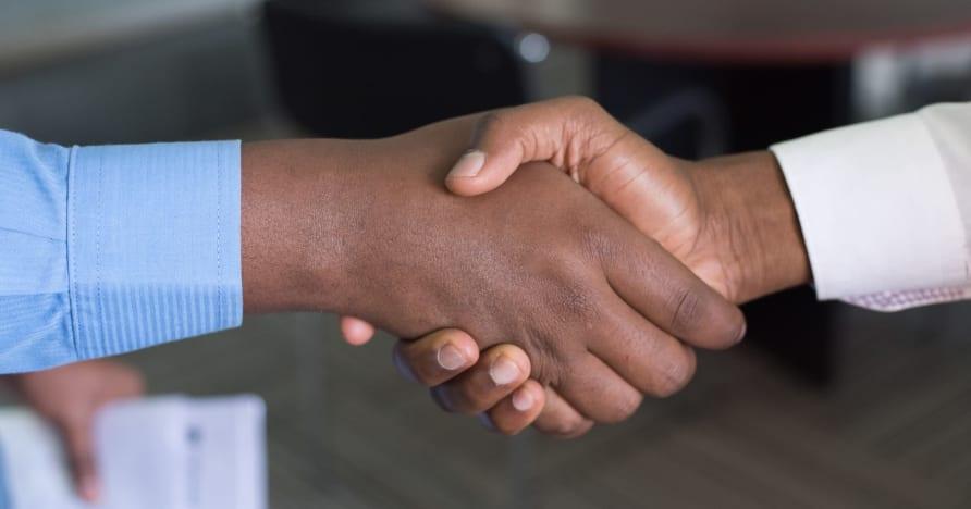 Evolution rozširuje partnerstvo so spoločnosťou Entain vo Veľkej Británii